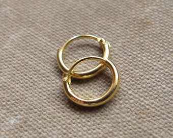 Small Gold Huggie Earrings. Small Hoops Earrings for Cartilage. Helix.  Tragus. Ear Lobe. Nose Ring / Gold Hoops Minimalist Earrings 8,10,12