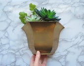 Vintage Brass Wall Pocket Vintage Hanging Wall-Mount Flower Pot, Succulent Container, Geometric Wall Vase Indoor Bohemian Hollywood Glam