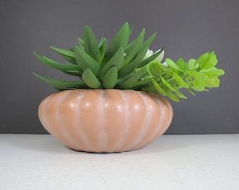 3bf3373e11c Haeger Pottery Planter    Vintage Salmon Terra Cotta Pink Glazed Round  Shallow Vase