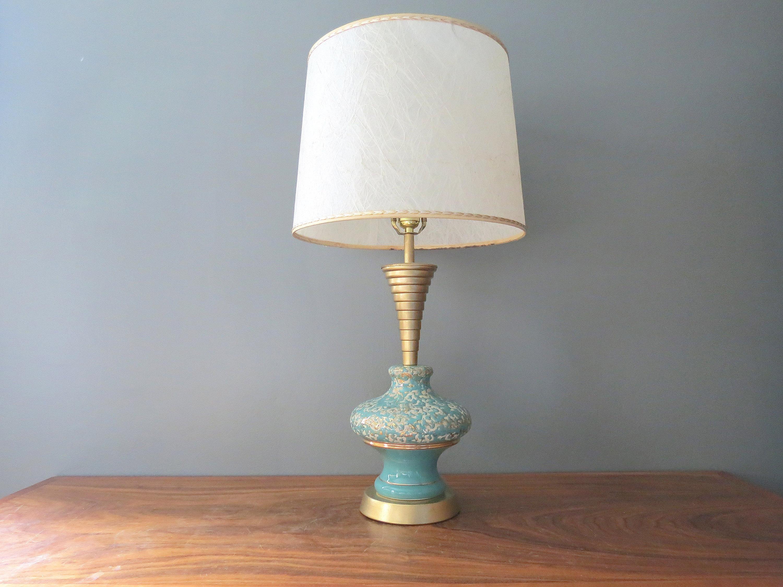 Lampade In Vetroresina : Metà secolo tavolo lampada con diffusore in vetroresina etsy