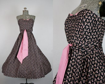 1950's Pink and Black Strapless Floral Party Dress / Size Small