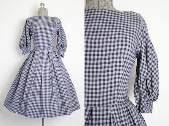 1950's Grey Plaid Cotton Day Dress / Size Small