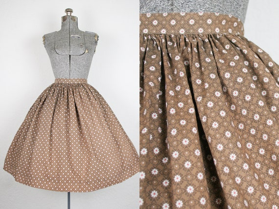 1950's Brown Daisy Print Cotton Skirt / Size XSmal