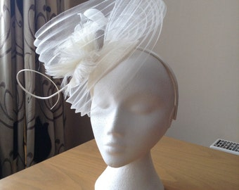 Ivory Cream Fascinator Hatinator with a wave of pleated crin on a Band Weddings, Races, Ascot, Kentucky Derby, Melbourne Cup, Regatta