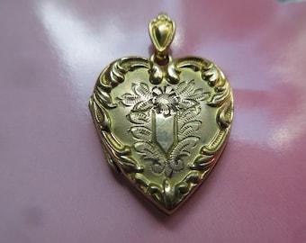 Picture Locket Layering Pendant Older Vintage Heart Locket in Gold Fill