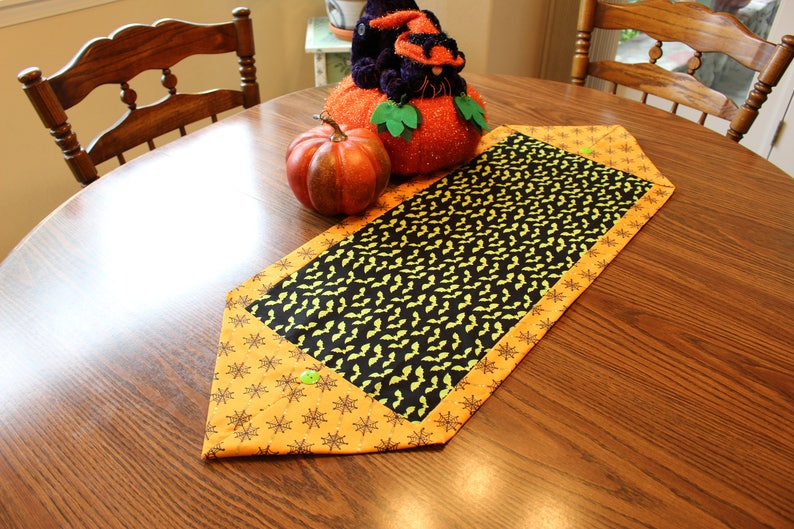 Halloween Table Runner Bats and Cobwebs FREE SHIPPING Party Decor Halloween Decorations