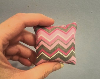1/6th Scale miniature dollhouse modern pink and  grey chevron print pillow for Barbie, Blythe, etc.