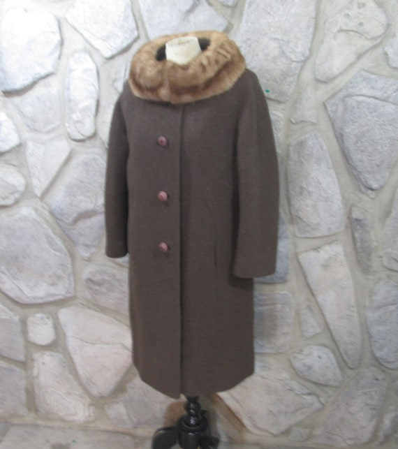 Vintage Brown Wool Boucle Fur Collar Coat