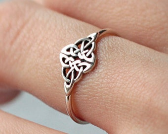 Celtic Knot Ring - Infinity knot - love knot ring - celtic ring - silver ring - celtic jewelry - Sterling Silver 925 - Jewelry by Katstudio