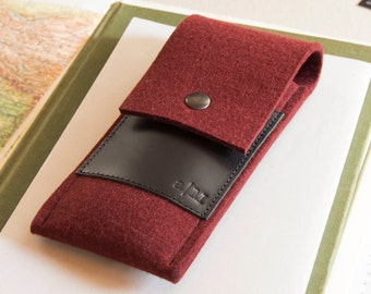 Felt and leather PEN HOLDER, sunglasses case, pencil case, maroon and black, wool felt, handmade, made in Italy