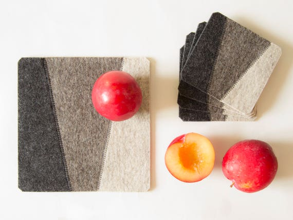 Felt trivet / square trivet / decorative mat / geometric / home decor / wool felt / handmade in Italy