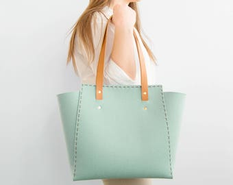 Wool Felt TOTE BAG / turquoise felt tote bag / womens bag / felt shoulder bag / carry all bag / made in Italy
