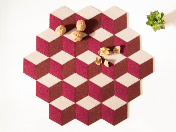 Large table mat / wool felt / burgundy and almond / geometric mat / stylish table mat / handmade / made in Italy