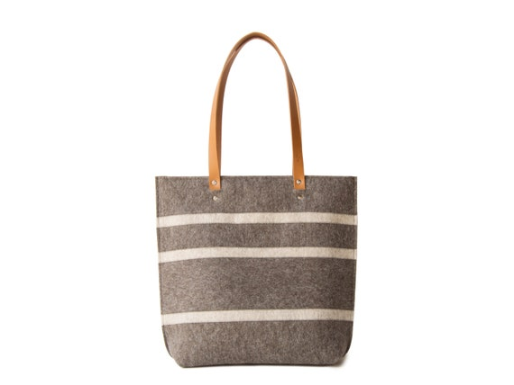 Striped TOTE BAG with leather straps / wool felt tote bag / grey and oatmeal bag / womens bag / felt shoulder bag / grey bag / made in Italy