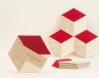 Set of red and cream felt coasters, hexagon, Christmas gift, wool felt, handmade, gift idea, housewarming gift, made in Italy