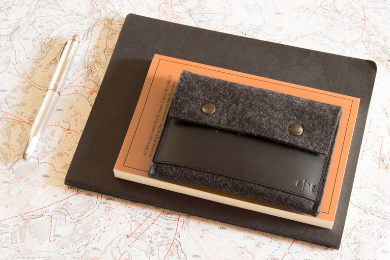 Felt and leather PASSPORT WALLET charcoal and black passport case made in Italy wool felt handmade