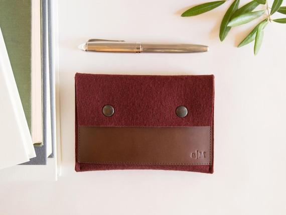 Felt and leather PASSPORT WALLET / passport case / felt wallet / maroon and dark brown / wool felt / felt passport wallet / made in Italy
