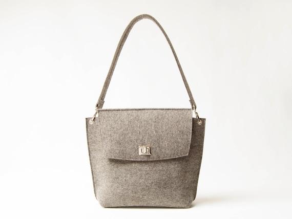Wool Felt FLAP BAG / warm grey tote bag / grey bag / womens bag / felt shoulder bag / elegant bag / made in Italy