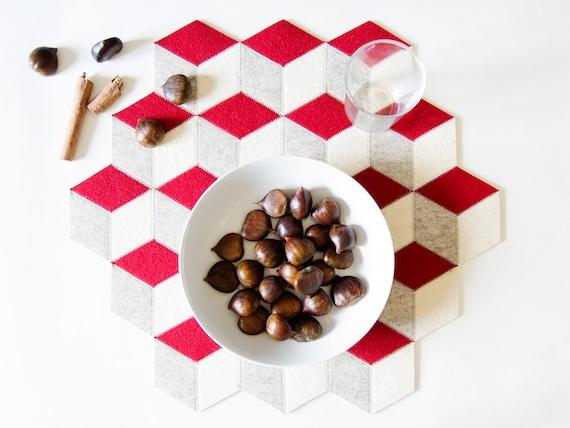 wolle filz tischsets gro er tisch mat wolle filz rot etsy. Black Bedroom Furniture Sets. Home Design Ideas