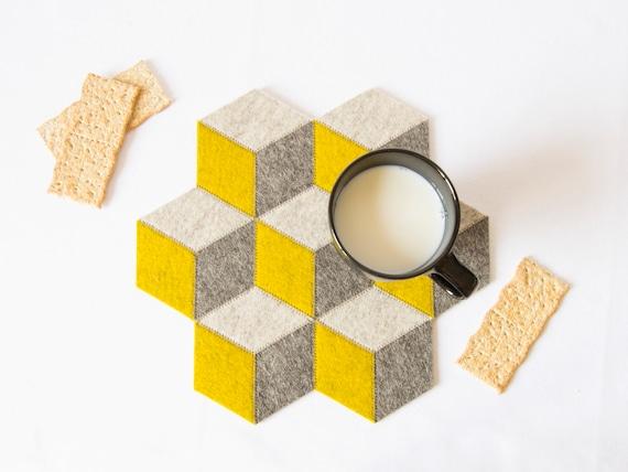 Small table mat / wool felt / grey and mustard / wool felt mat / stylish table mat / handmade / made in Italy