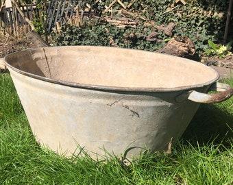 Tin bath tub, vintage oval wash tub, bath tub, tin bath