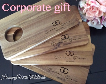 Personalized Cutting Board, Corporate gift, Custom Cutting Board, Personalized Wedding Gift, Housewarming Gift, Anniversary Gift, Engagement