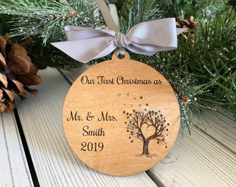 Personalized Couple Ornament, Christmas Gift, Custom name ornament, Couple gifts, First Christmas, Mr & Mrs, Newlywed gifts, Corporate gift