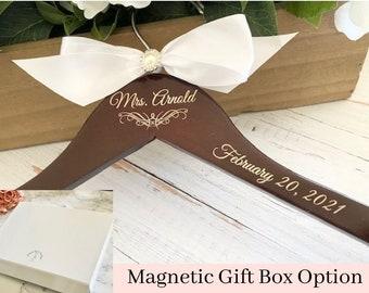 Wedding hanger, Personalized Wedding hanger, custom wire hanger, bridal hanger, bride gift,  custom hanger, Bride gift, bridesmaid hanger