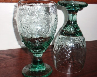 "2 LIBBEY ROCK Sharpe Green Orchard Fruit Pattern 1990's Footed Heavy Tumblers Goblets Glasses Stems 7"" High Pair Two Set Excellent Condition"