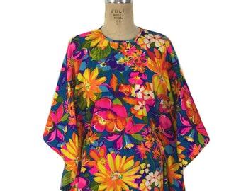vintage 1960's Hawaiian mini dress / tropical floral / mini caftan / tiki vlv / spring summer / women's vintage dress / size medium