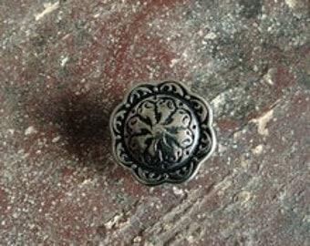 Floral Relief Pedestal Button