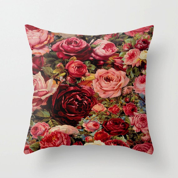 VintageRoses Pillow Cover