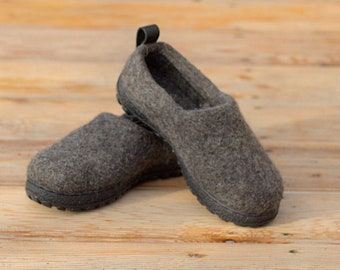 READY to SHIP  in size EU40/US women's 9 Dark gray felt shoes with flexible rubber soles