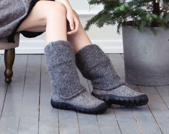 Natural dark gray men snow boots - felted men winter boots