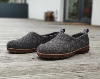READY to SHIP in size EU40/US womens 9 Wool shoes for women in dark gray with rubber soles