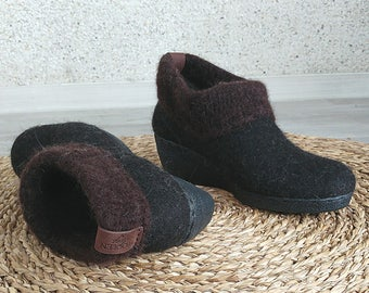 Felted wedge shoes
