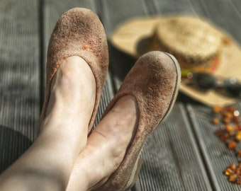 Summer ballet flats from thin reinforced felt naturally dyed with avocado
