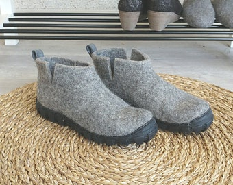 Felt wool short ankle boots in natural gray wool, flat bottom shoes, flat ankle boots