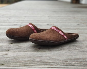 READY to SHIP size EU 41/ Us women's 9.5 Handmade eco friendly felted slippers from natural wool