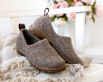 READY to SHIP in size EU36, 39/us womens 6, 8.5  Cappuccino minimalist shoes, felted boiled wool clogs