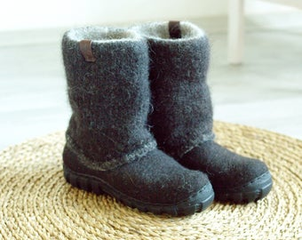 Handmade felt boots dark brown - shoes for men - boots for men - Felt Shoes - Ankle Boots - wool shoes