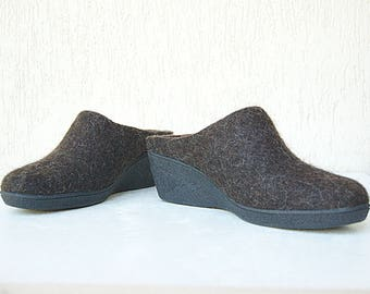 READY to SHIP Felted closed toe mules for cold feet from natural wool size EU38/US woman 7.5