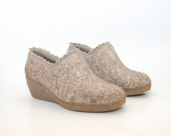 Felted wool wedge shoes with flax fibers and linen crochet top decor