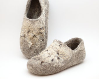 Comfortable clogs with wild decor, ethical shoes from 100% cruelty free wool
