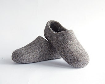 READ to SHIP in size EU33 Children felted organic wool clogs dark grey - felted kids slippers - eco-friendly children slippers