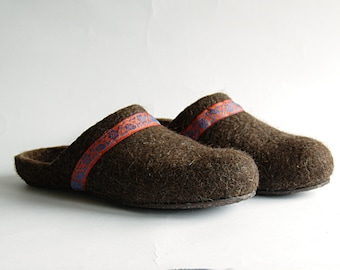 Handmade eco friendly felted slippers from natural wool - brown with orange decor - wool slippers - woman house shoes - woman slippers
