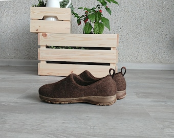 Winter shoes for women from natural wool with rubber soles