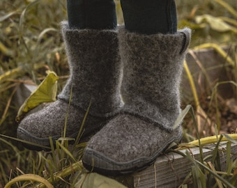 READY to SHIP in size EU 27/Us toddler 10.5  Kids' boots from grey organic wool with durable rubber soles