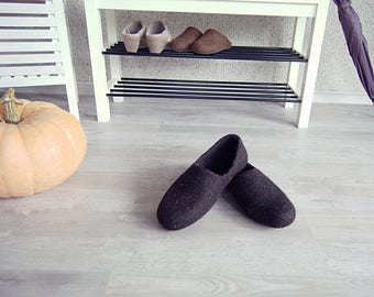 READY to SHIP Eco friendly handmade felted mens slippers in natural dark brown wool - best gift for dad size EU43/US men 9