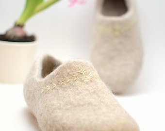 Felted wool clogs Spring - handmade organic wool felt slippers with rubber soles - Eco-friendly shoes